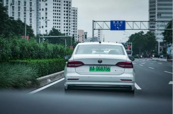 _开着一台朗逸纯电行驶2000公里是种什么体验(1)2012